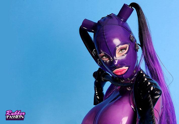 Latex Lucy - top 10 modèles fetish 2021